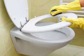 Pulire il bagno rapidamente: poche mosse per unigiene assicurata