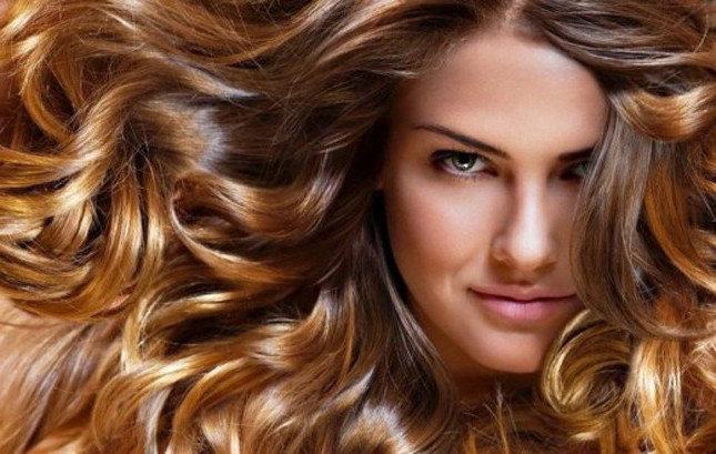 Iniezione di vitamine per capelli e pelle