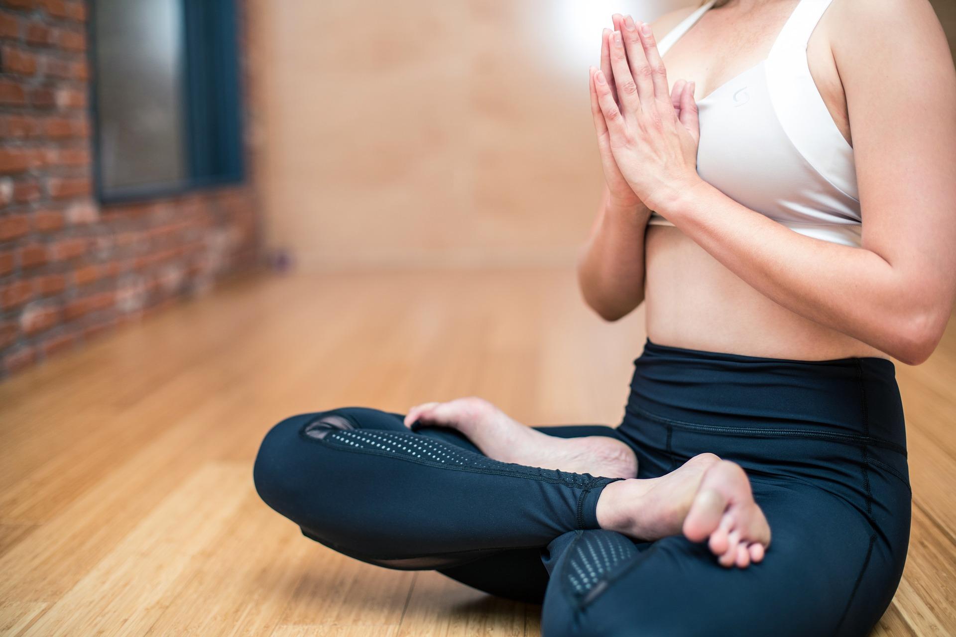 6 yoga-3053488_1920